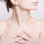 20141123_女性の胸元