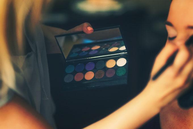 makeup-791303_1280-1