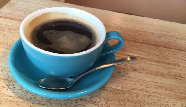 副腎疲労症候群の場合、コーヒーは緩やかに断つ。