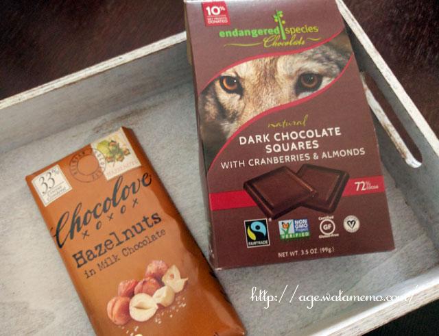 Endangered Species Chocolate, ナチュラルダークチョコレート、クランベリー&アーモンド入り、3.5 oz (99 g)、Chocolove, ヘーゼルナッツ入り ミルクチョコレート、3.2オンス(90 g)